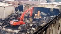 CAFER YıLMAZ - İşçiler, Yanan 15 Bin Metrekarelik Alanda Kayıp Patronlarını Arıyor