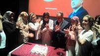 KURULUŞ YILDÖNÜMÜ - Kadınlar, AK Parti'nin 16'Ncı Yıldönümü Kutladı