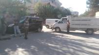 BAHÇELİEVLER - Kazada Savrulan Araç Bahçe Duvarına Çarparak Durabildi