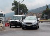 KÖRFEZ - Kocaeli'de 3 Ayrı Trafik Kazası Açıklaması 10 Yaralı