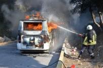 SÖNDÜRME TÜPÜ - Milas'ta Seyir Halindeki Minibüs Alev Alev Yandı