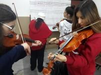 NEVŞEHİR BELEDİYESİ - Müzik Enstrümanları Eğitimine 200 Kişi Katılıyor