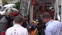 Park Halindeki Otomobile Çarpan Kurye Yaralandı