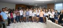 KARABAĞ - Şampiyonluğu Zeybek Oynayarak Kutladılar