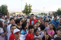 DÜNYA ŞAMPİYONU - Şampiyonu Spor A.Ş. Karşıladı
