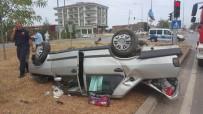 TAFLAN - Samsun'da Otomobil Takla Attı Açıklaması 2 Ağır Yaralı