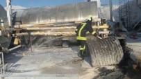 İTFAİYE ARACI - Şantiyede Çıkan Yangın Korkuttu