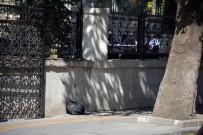 ŞÜPHELİ ÇANTA - Şüpheli Çantanın Patlatılmasına Aldırış Etmediler
