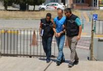 KAYACıK - Yayaya Çarptı, Polisten Kaçamadı
