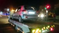 ADıYAMAN ÜNIVERSITESI - Alkollü Sürücü Yayaya Çarptı Açıklaması 1 Ölü, 1 Yaralı