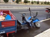 Darende'de Otomobil Çapa Motoruna Çarptı Açıklaması 1 Ağır Yaralı