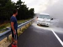 Minibüs Otobanda Alev Alev Yandı