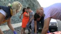 KEMER BELEDİYESİ - Oğlu Kaza Yapan Annenin Yardım Çabası