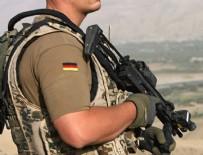 AŞIRI SAĞCI - Alman Ordusunda Nazi incelemesi