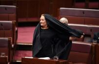 FRANSA - Avustralyalı Senatörden Çirkin Protesto