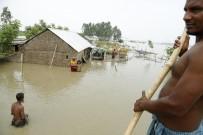 SEL FELAKETİ - Bangladeş'teki Sellerde Ölü Sayısı 50'Ye Yükseldi