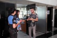 TRAFİK KURALLARI - Emniyetten Kayseri'ye Gelen Yolculara Güler Yüzlü Karşılama