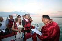 TELEVİZYON - Göl Ortasında Jetboatta Evlendiler