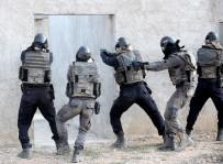 HAREKAT POLİSİ - Kahraman Özel Harekatçılar Böyle Yetişiyor