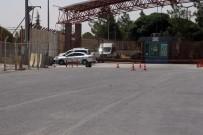 BOMBA İMHA UZMANI - Öncüpınar Sınır Kapısı'nda Şüpheli Çanta Alarmı