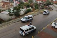BOMBA İMHA UZMANLARI - 12 Yaşındaki Çocuk Bulduğu El Bombasını Evine Götürdü