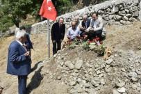 HAMIT YıLMAZ - TBMM Başkanvekili Hamzaçebi'den Şehit Öğretmenin Ailesine Ziyaret