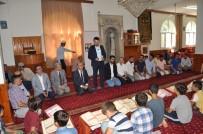 HATIRA FOTOĞRAFI - Vali Demirtaş, Kur'an-I Kerim Eğitimini Tamamlayan Öğrencileri Ödüllendirdi