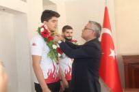 OLİMPİYAT ŞAMPİYONU - Vali Şimşek, Olimpiyat Şampiyonlarını Ödüllendirdi