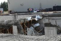 SAĞLIK EKİPLERİ - Ankara'da İnşaatta Çökme Açıklaması 2 İşçi Yaralı