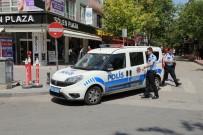 POLİS EKİPLERİ - Başkent'te Bıçaklar Konuştu Açıklaması 1'İ Ağır 3 Yaralı
