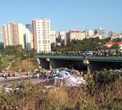 BETON MİKSERİ - Beton Mikseri Köprüden Aracın Üzerine Düştü