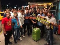 YENİ MALATYASPOR - Evkur Yeni Malatyaspor'un Yeni Transferi Arturo Mina'ya Havaalanında Karşılama