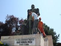 Gazi Osman Paşa'nın Heykeline Boyayla Zarar Verildiği İddiası