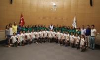 GAZİEMİR BELEDİYESİ - Gaziemir'in Halk Oyunları Ekibi Türkiye İkincisi Oldu