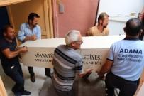 ADLİ TIP KURUMU - Göçükte Toprak Altında Kalıp Ölen İşçinin Cenazesi Yakınlarına Teslim Edildi