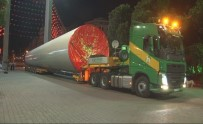 LOZAN - İzmir Fuarı'na 96 Metrelik Rüzgar Tribünü Getirildi