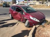Midyat' Trafik Kazası Açıklaması 4 Yaralı