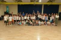 YÜZME HAVUZU - Nilüfer'de Yaz Spor Okullarından 4 Bin 500 Çocuk Yararlandı