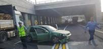 Otomobil İle Çekici Çarpıştı Açıklaması 2 Yaralı