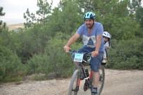 BİSİKLET TURU - Sağlıklı Yaşam Ve Doğaya Saygı İçin Çoluk Çocuk Pedal Çevirdiler