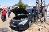 Siverek'te İki Otomobil Çarpıştı Açıklaması 1 Yaralı