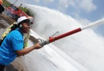 EROZYONLA MÜCADELE - Afrikalı Ormancılar, Helikopterli Köpük Şovlu Yangın Tatbikatından Büyülendi