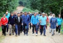 HÜSEYIN AKSOY - Bakan Osman Aşkın Bak, Kampta Gençlerle Spor Yaptı