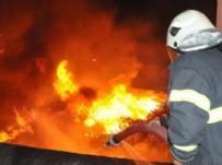 SAĞLIK EKİPLERİ - Bayrampaşa'da yangın: Bir kişi öldü, 10 yaralı var