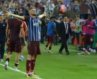 BURAK YıLMAZ - Burak Yılmaz, Fenerbahçe'ye Atıyor