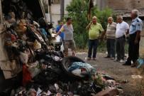 BOMBA İMHA UZMANI - Çöp Kamyonunda Patlama Açıklaması 2 Yaralı