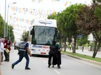 RECEP TAYYİP ERDOĞAN - Cumhurbaşkanıyla Konuşmak İstedi, Yanlış Otobüsün Önüne Atladı