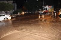Denizli'de Sağanak Yağış Vatandaşlara Ve Sürücülere Zor Anlar Yaşattı