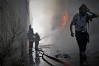 YALıNAYAK - Hurda Deposunda Çıkan Yangın Korkuttu
