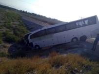 Iğdır'da Yolcu Otobüsü Şarampole Uçtu